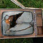 Mach den Fernseher aus